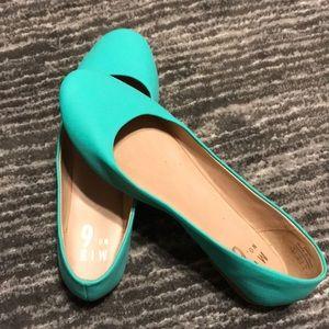 Turquoise Flats- gently worn